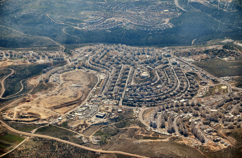 An arial view of the West Bank settlement Modiin Illit (photo credit: DVIRRAZ/WIKIMEDIA COMMONS)
