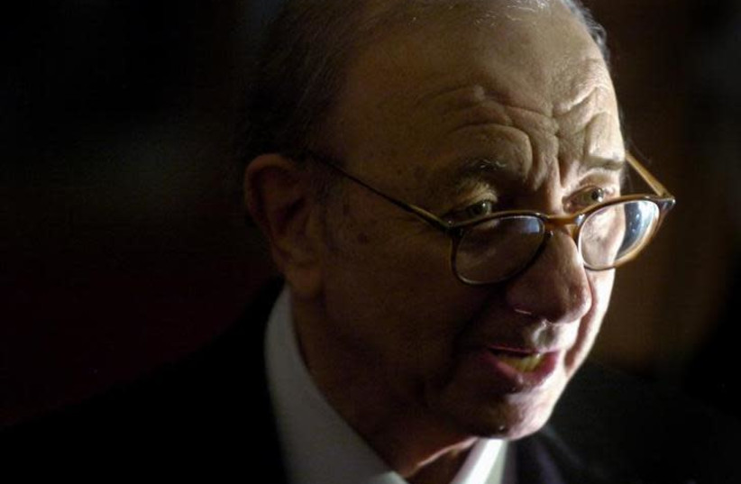 Playwright Neil Simon arrives for a program honoring him as the 2006 Mark Twain Prize recipient at the Kennedy Center in Washington October 15, 2006 (photo credit: REUTERS/JONATHAN ERNST)
