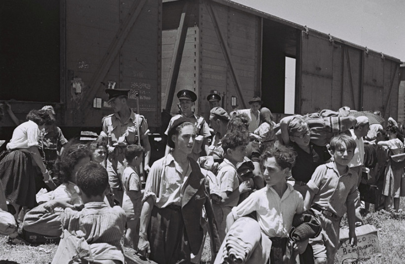YOUNG HOLOCAUST survivors arrive at the Atlit detainee camp, 1945. (photo credit: ZOLTAN KLUGER/WIKIMEDIA COMMONS)