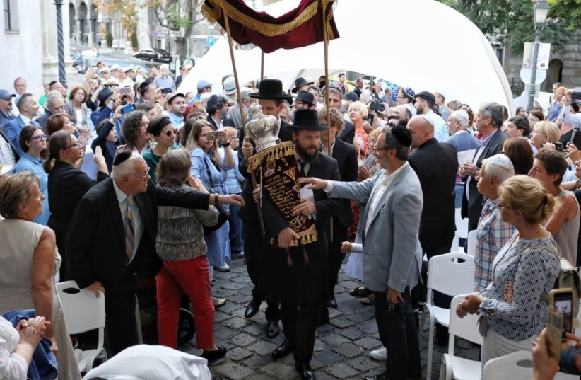 Buda Castle Synagogue reopens  (photo credit: MARTON MERESZ)