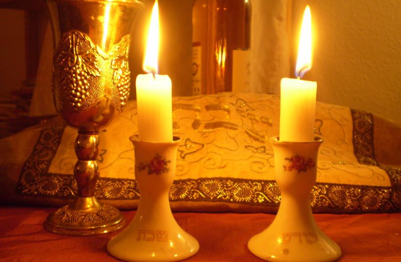 Shabbat candles (photo credit: Wikimedia Commons)