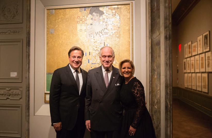 Ronald Lauder surrounded by the First Couple of Panama - President Juan Carlos Varela Rodríguez and First Lady Lorena Castillo García de Varela.  (photo credit: NOA GRAYEVSKY)