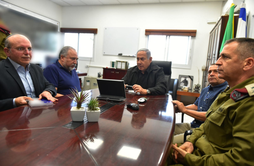 Prime Minister Benjamin Netanyahu and Defense Minister Avigdor Liberman conducted a situation assessment today in the Gaza Division (photo credit: ARIEL HERMONI / DEFENSE MINISTRY)