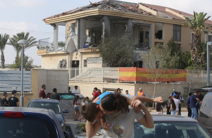 The damaged house in Beersheba from the rocket attack on Wednesday, October 17, 2018. (photo credit: MARC ISRAEL SELLEM)