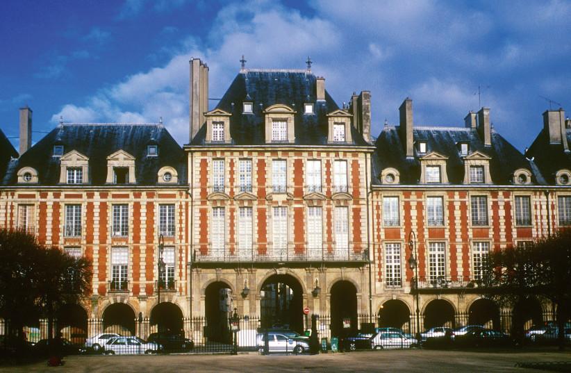 HE BEAUTIFUL buildings in Place des Vosges, Paris (photo credit: AMELIA DUPONT/ATOUT-FRANCE/FRENCH TOURISM DEVELOPMENT AGENCY)