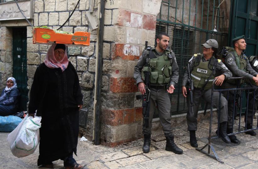 BORDER POLICE patrol Jerusalem's Old City. (photo credit: MARC ISRAEL SELLEM)