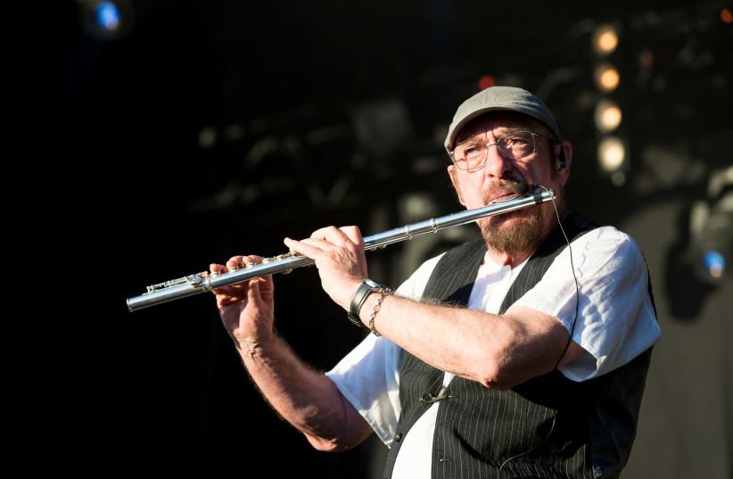 Ian Anderson, the lead singer of rock band Jethro Tull, Wikipedia Festivalsommer (photo credit: SVEN MANDEL)