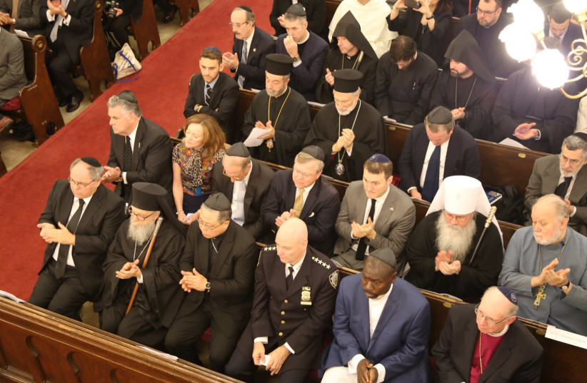 New York's Park East Synagogue during the memorial service for Pittsburgh shooting victims (photo credit: ISRAEL CONSULATE IN NEW YORK)