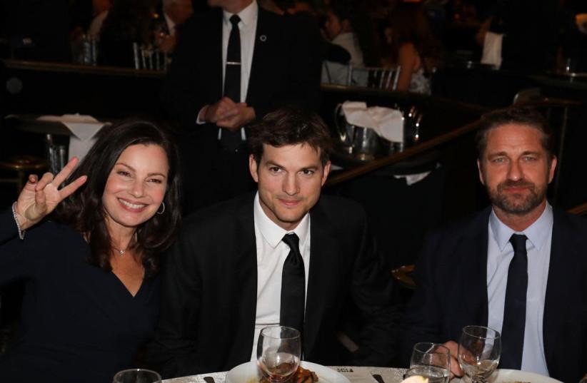 Fran Drescher, Ashton Kutcher and Gerard Butler at the FIDF Western Region Gala (photo credit: NOAM CHEN)