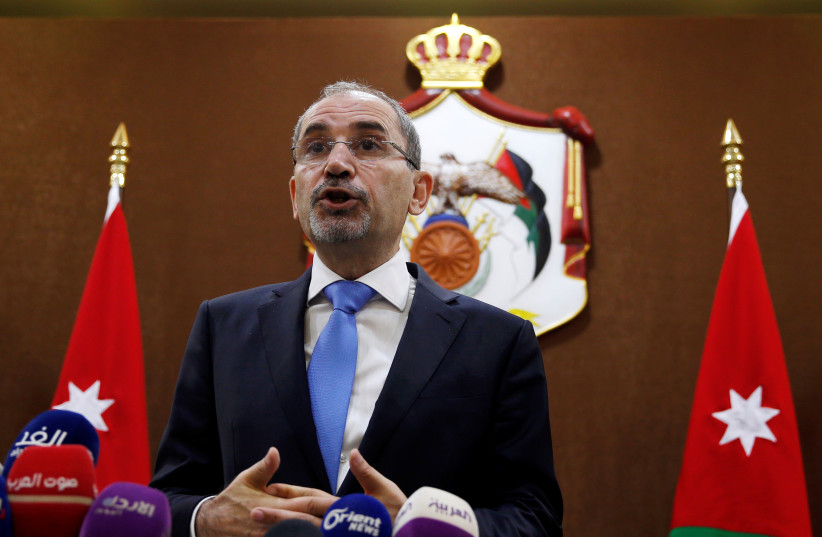 Jordanian Foreign Minister Ayman Safadi addresses the press in Amman, Jordan, July 2, 2018. (photo credit: MUHAMMAD HAMED / REUTERS)