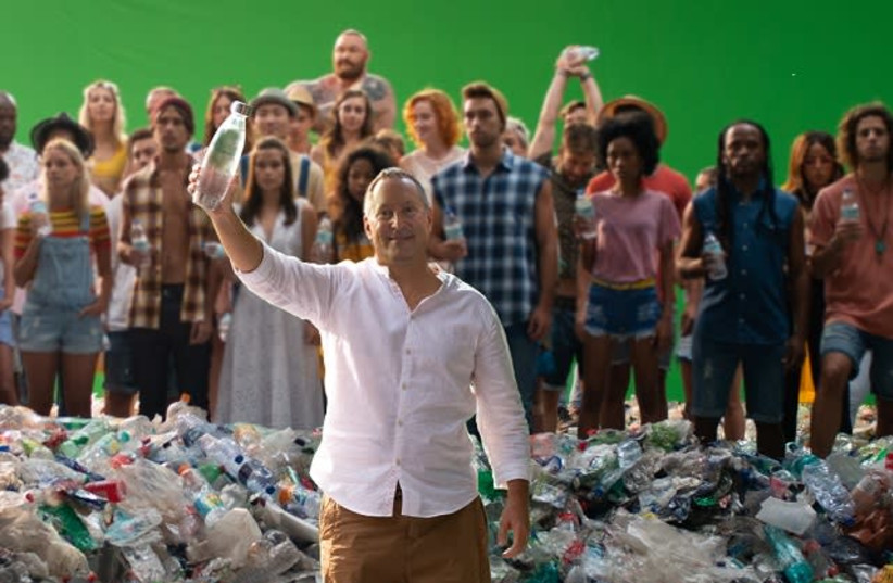 SodaStream CEO Daniel Birnbaum with the cast of the company's new campaign. (photo credit: SODASTREAM)