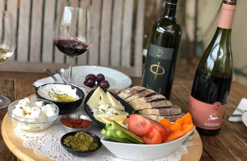 WINE AND cheese on offer at Kadma Winery. (photo credit: MEITAL SHARABI)