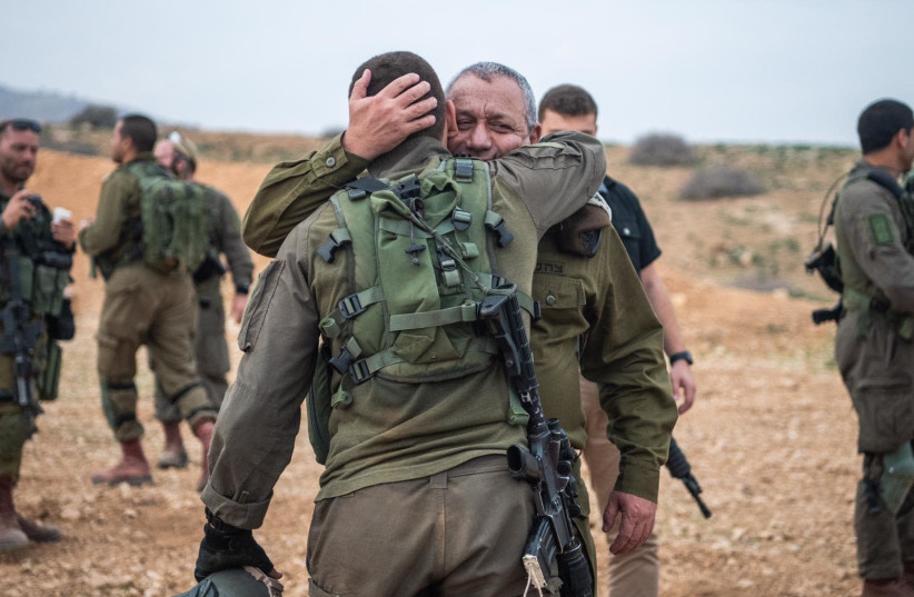 Chief of staff Lt.-Gen. Gadi Eisenkot, who visited the exercise during the past week met with his son Sgt.G for a few moments. During his visit Eisenkot also spoke with the unit commanders and troops about the work undertaken by the commando brigade since its formation three years ago, such as the i (photo credit: Courtesy)