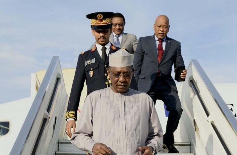 Chad's President Idriss Déby arrives at Ben-Gurion Airport on Sunday, November 25, 2018 (photo credit: AVI HAYOUN)