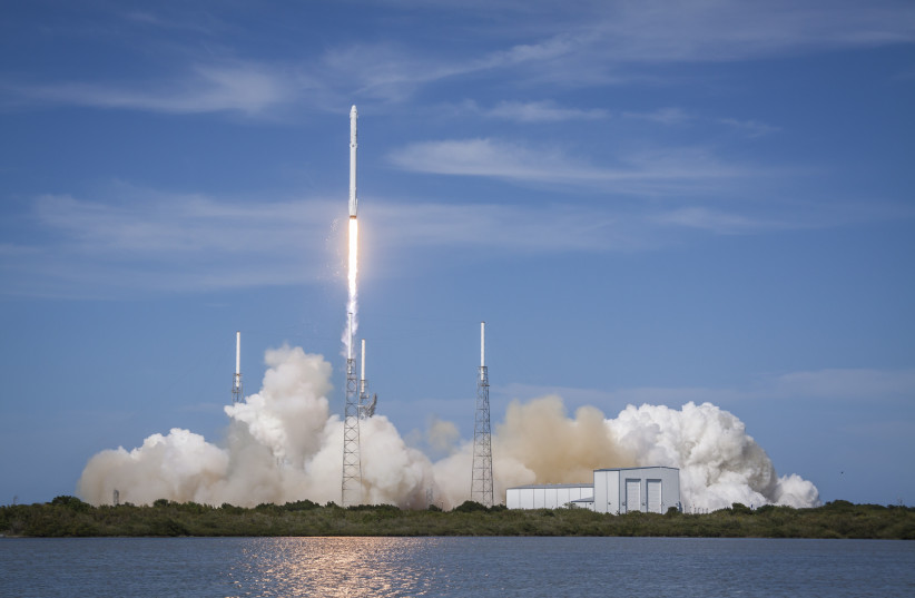 The Falcon 9 CRS-6 Dragon takes off from Vandenberg Air Force Base off the coast of California on Monday. (photo credit: Wikimedia Commons)