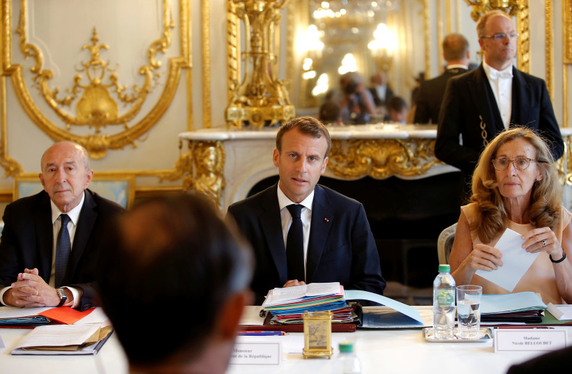 French President Emmanuel Macron, Interior Minister Gerard Collomb, Justice Minister Nicole Belloubet in cabinet meeting, 2018. (photo credit: MICHEL EULER / REUTERS)