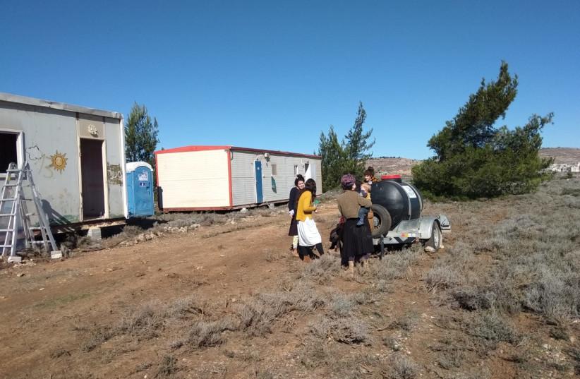 Hopeful settlers of the Amona settlement (photo credit: TAZPIT)