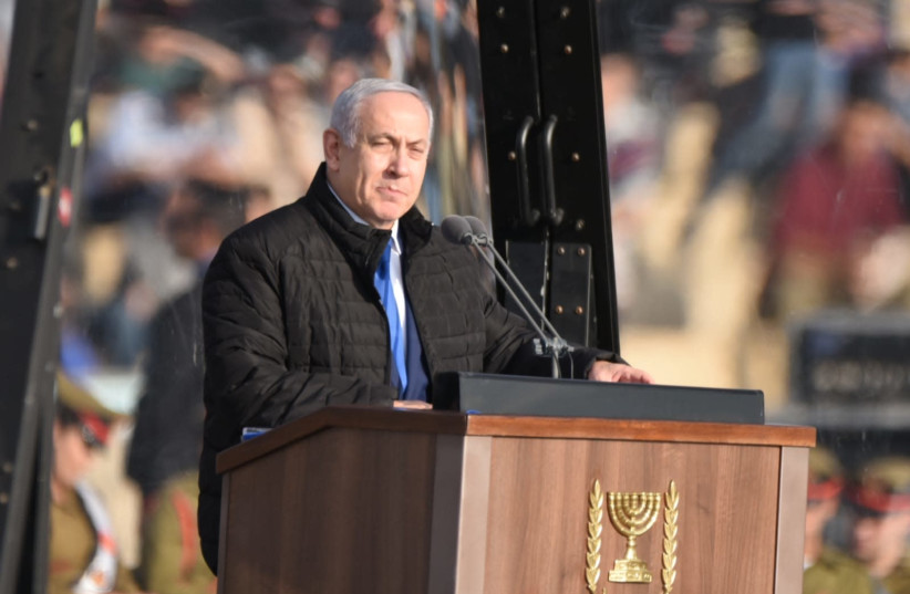 Netanyahu speaks at the end of the cadets program at the Israeli Air Force Flight Academy (photo credit: KOBI RICHTER/TPS)