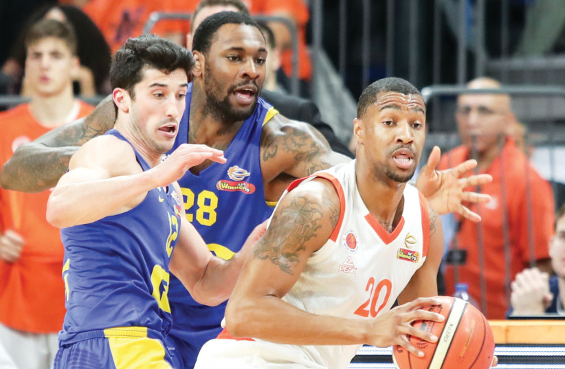 CAMERON LONG (right) scored 17 points for Maccabi Rishon Lezion on Sunday night in a surprise 88-77 victory over Maccabi Tel Aviv in State Cup quarterfinal action over the weekend (photo credit: DANNY MARON)