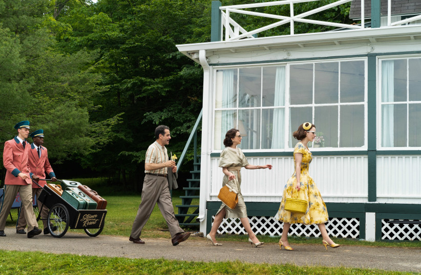 ABE, ROSE and Midge arrive at the Catskills in the second season of 'The Marvelous Mrs. Maisel.' (Amazon Prime) (photo credit: AMAZON PRIME)