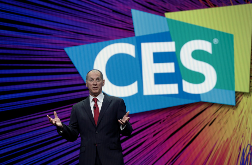 Gary Shapiro, president and CEO of the Consumer Technology Association, speaks during a keynote address at the 2019 Consumer Electronics Show (CES) in Las Vegas, Nevada, U.S. January 8, 2019 (photo credit: REUTERS/STEVE MARCUS)