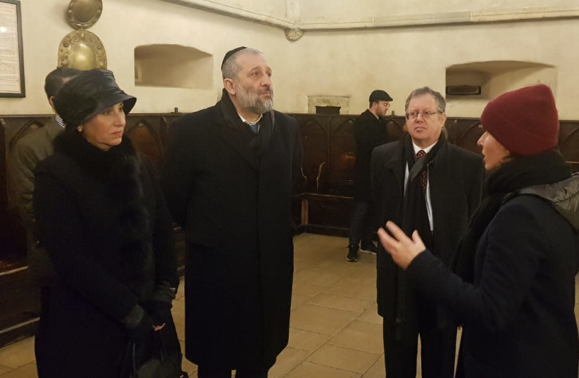Deri tours one of Europe's oldest synagogues on an official visit to Prague. (photo credit: Courtesy)