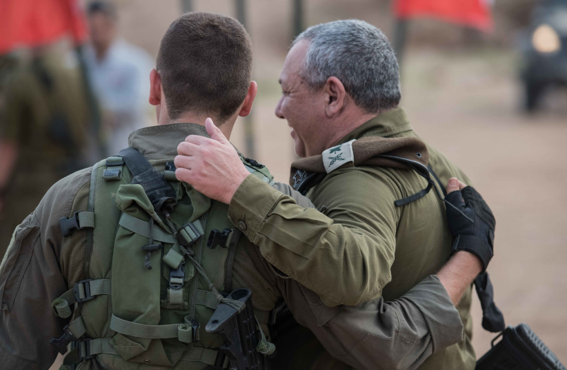 EISENKOT MEETS his son, an elite IDF soldier, during a recent military drill in the North. (photo credit: IDF)