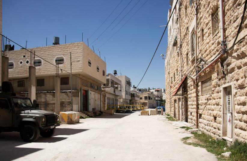 Hebron city divided between jews and arabs (photo credit: INGIMAGE)