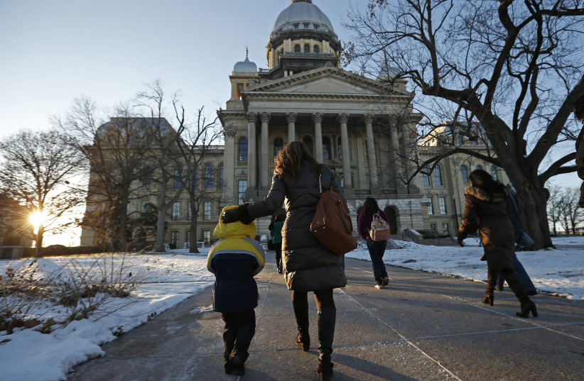 The Illinois State Legislature in Springfield, Illionois (photo credit: JIM YOUNG / REUTERS)