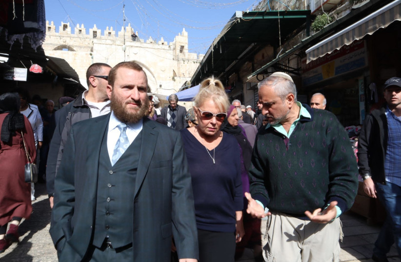 Actress Roseanne Barr and Rabbi Shmuely Boteach in Jerusalem's Old City (photo credit: ESTI DESIOVOV/TPS)