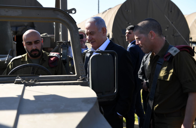 Prime Minister Benjamin Netanyahu visits Sirkin Base (photo credit: ARIEL HERMONI / DEFENSE MINISTRY)