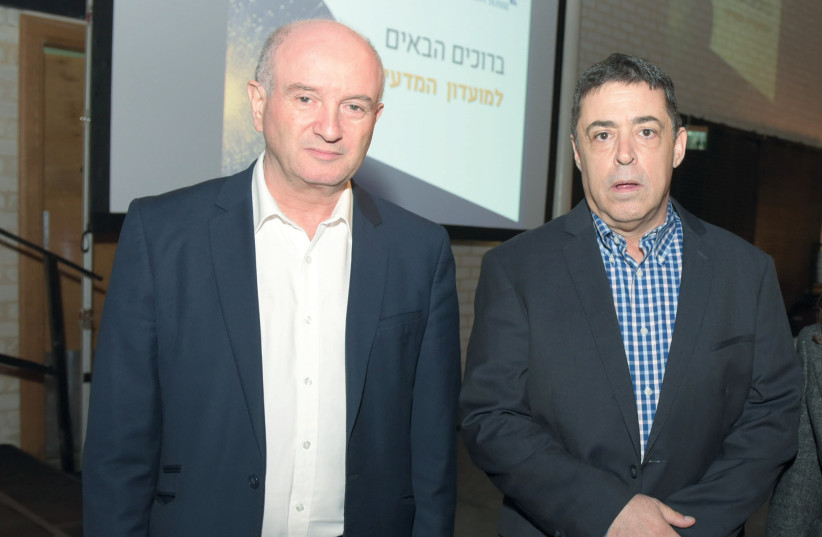 DANIEL ZAJFMAN (left) and Ben Caspit (photo credit: OHAD HARECHES/WEIZMANN INSTITUTE)