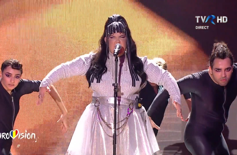 Netta Barzilai performs at the Romanian Eurovision selection finale on Sunday night (photo credit: SCREENSHOT/TVR)