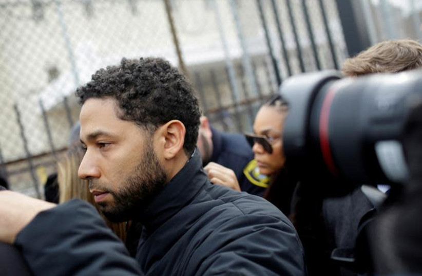 Jussie Smollett exits Cook County Department of Corrections after posting bail in Chicago, Illinois, U.S., February 21, 2019 (photo credit: REUTERS/JOSHUA LOTT)