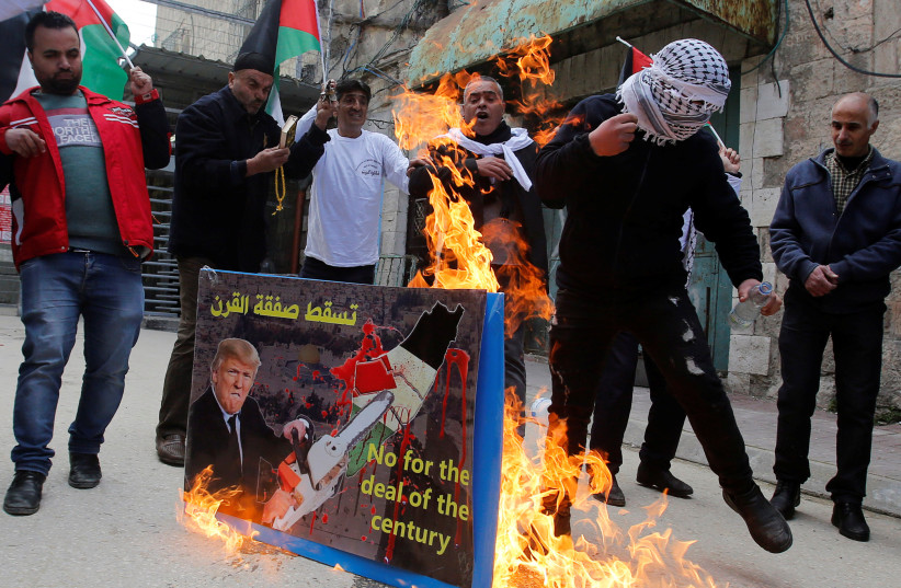 Palestinians hang Trump in effigy in protests against Bahrain summit