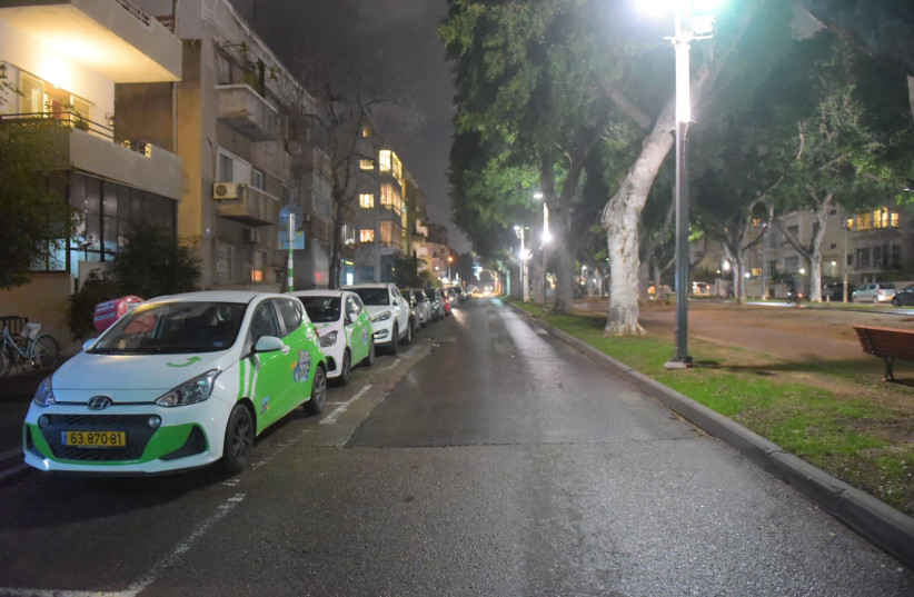 Streets of Tel Aviv seen empty as the rocket sirens were heard on Thursday (photo credit: AVSHALOM SASSONI/MAARIV)