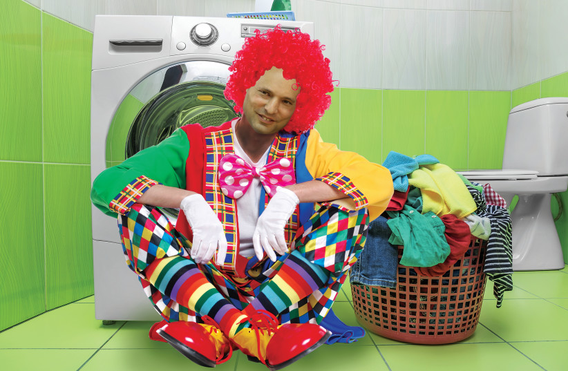 Naftali Bennett gets ready for early elections. (photo credit: MARC ISRAEL SETUP)