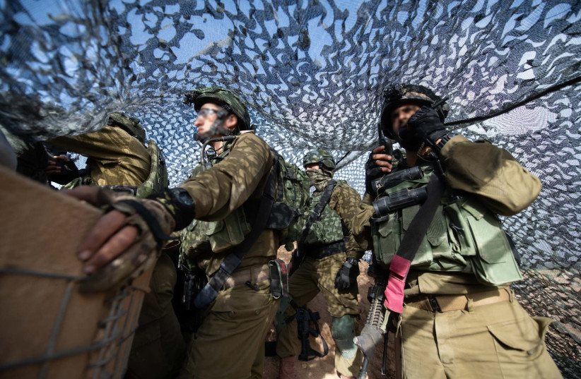 IDF soldiers on the Gaza border (photo credit: IDF SPOKESMAN'S UNIT)