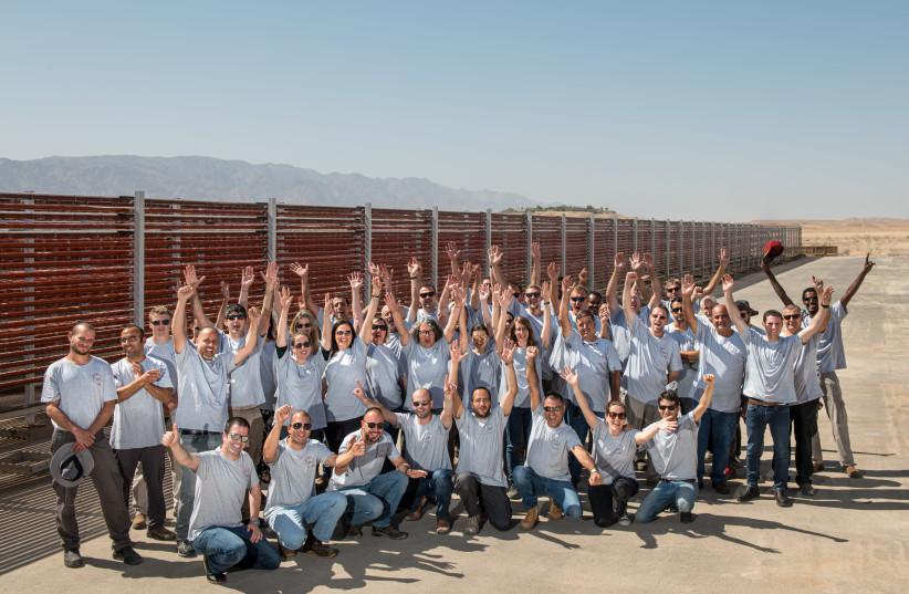 Algatech employees at Kibbutz Ketura (photo credit: BENNY DOUTSH)