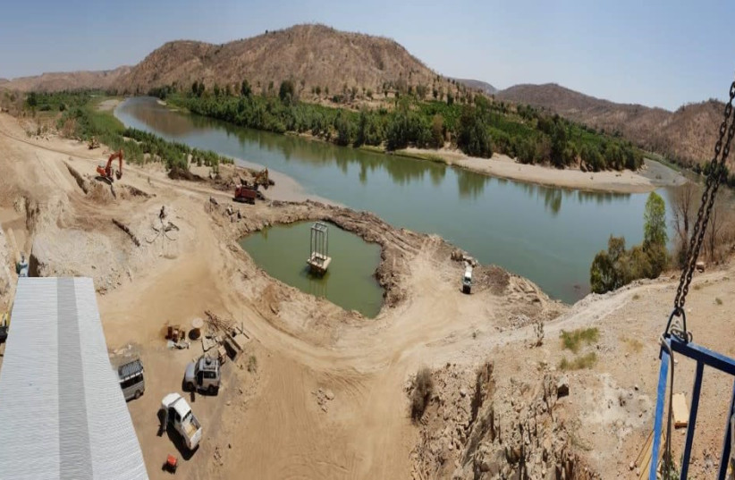 Construction of a water supply system from the Tekezé River, Ethiopia  (photo credit: BARAM GROUP)