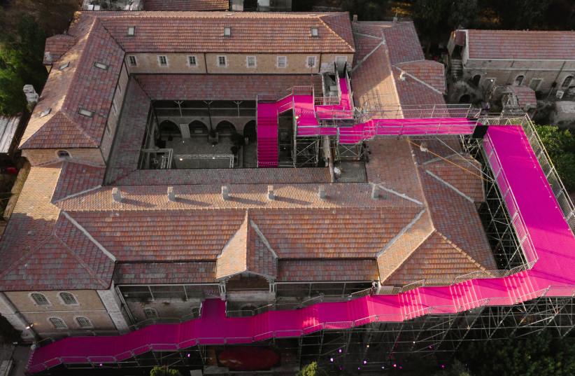 Pink Staircase (photo credit: DOR KEDMI)