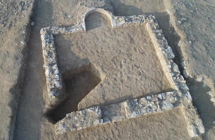 Ruins of a 1200 year old mosque in Rahat (photo credit: EMIL ALADJEM/ISRAEL ANTIQUITIES AUTHORITY)