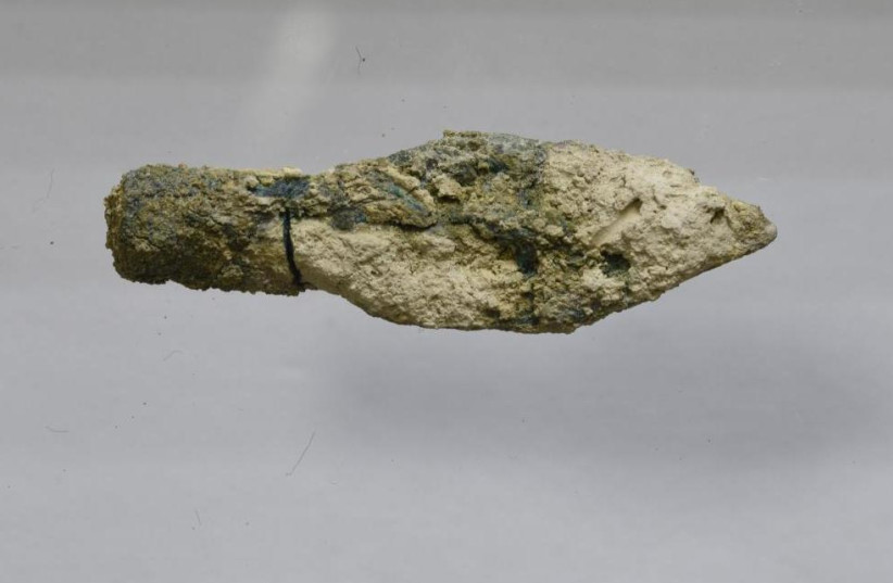 This is one of the Scythian type arrowheads found in the destruction layer from 587/586 BCE (photo credit: MT ZION ARCHAEOLOGICAL EXPEDITION/VIRGINIA WITHERS)