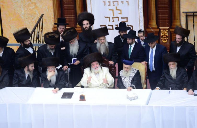Vizhnitz grand rabbi instructs schools to open
