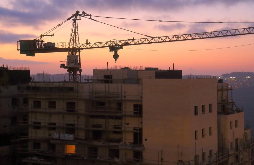 A construction site in the neighborhood of Har Nof, Jerusalem. Nov 18, 2015 (photo credit: HALLEL MEIR/TPS)