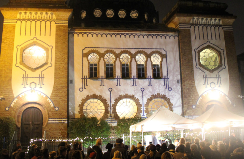 Malmo's synagogue lit up for the 81st anniversary of the Kristallnacht on November 9, 2019. (photo credit: JEWISH COMMUNITY OF MALMÖ)