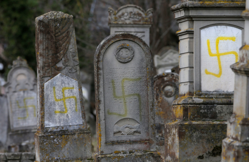 Danish Jewish cemetery vandalism was allegedly ordered by Swedish neo-Naz