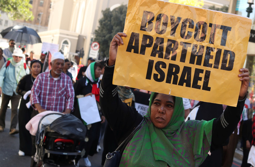 Protesters call for the severing of diplomatic ties with Israel during a march in Cape Town, South Africa, May 15, 2018 (photo credit: REUTERS/MIKE HUTCHINGS)