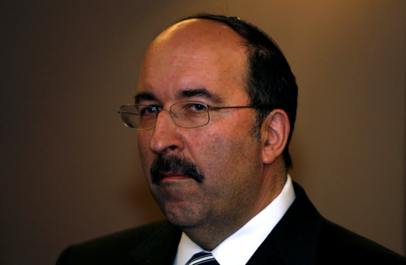 Dore Gold, a senior adviser to Israel's Likud party leader Benjamin Netanyahu, is seen before Netanyahu's meeting with European Union foreign policy chief Javier Solana in Tel Aviv, Israel (photo credit: REUTERS/BAZ RATNER)