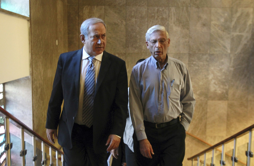 Israel's Prime Minister Benjamin Netanyahu (L) and Benny Begin, the son of the late Prime Minister Menahem Begin and a member of Netanyahu's cabinet, arrive to the weekly cabinet meeting in Jerusalem October 31, 2010 (photo credit: REUTERS/JIM HOLLANDER/POOL)